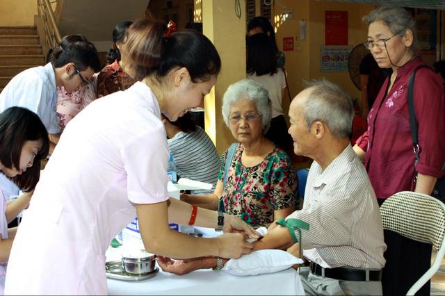 Chứng chỉ Chăm sóc người già