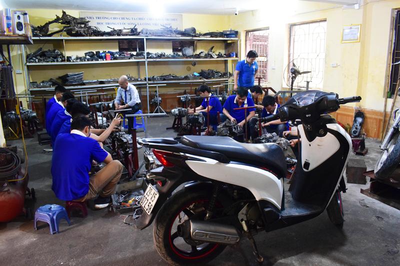 Chứng chỉ Sửa chữa xe máy